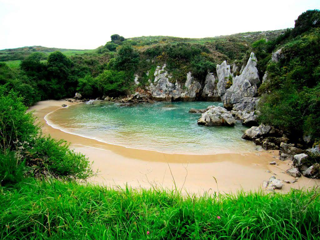 Самый маленький пляж Испании